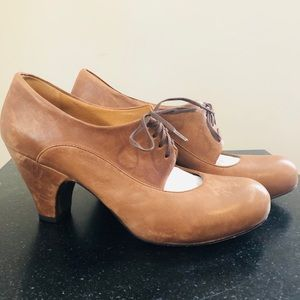 Coclico • Brown Leather Lace-up Heels